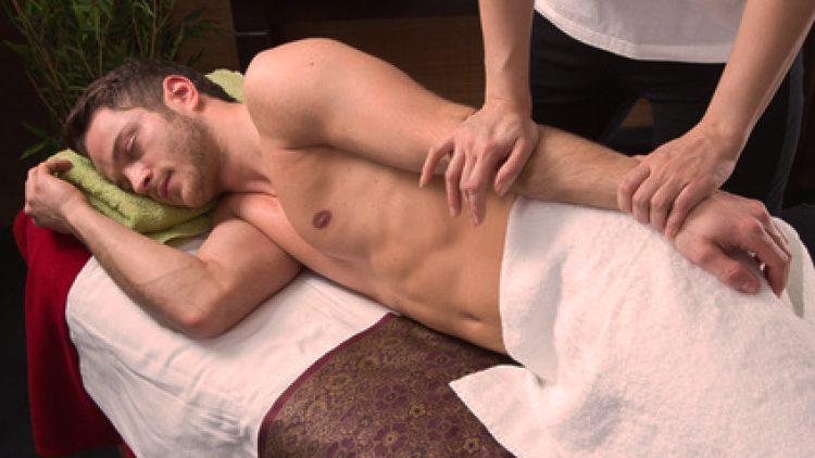 Ayurvedische Massage bestimmter Gelenke